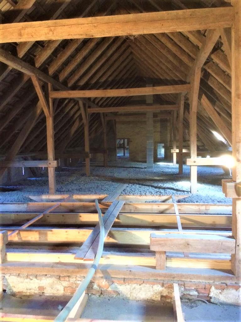Deckendämmung Scheune Steinhöfel - Fußbodenaufbau und -erhöhung mit dem System Hufer