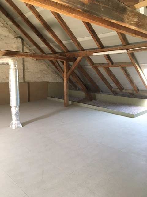 Fertiger Fußbodenaufbau inklusive Dämmung -Decke neu