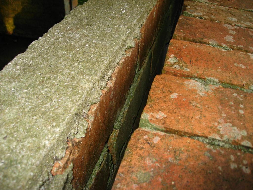 Aussenwanddämmung zweischaliges Mauerwerk vor der Befüllung
